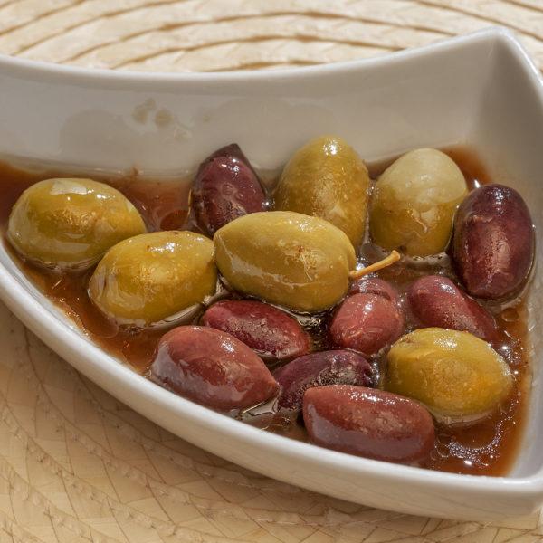 Aceitunas con salsa de tamarindo
