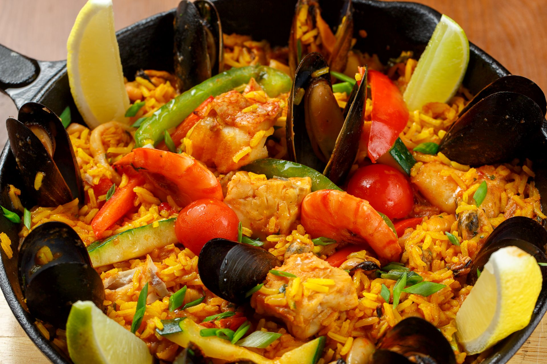 Paella con productos del mar